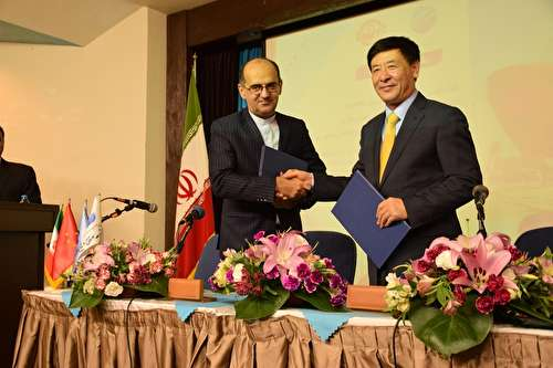 قرار داد۴۰۰ میلیارد دلاری با چین با حجم تجارت خارجی ایران تطابق ندارد