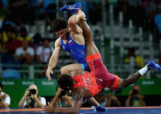 شکست جردن باروز آمریکایی مقابل روس درپای فینال