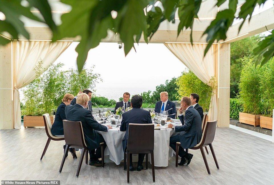ماموریت برجامی امانوئل مکرون با عقب نشینی از مذاکره موشکی با ایران!