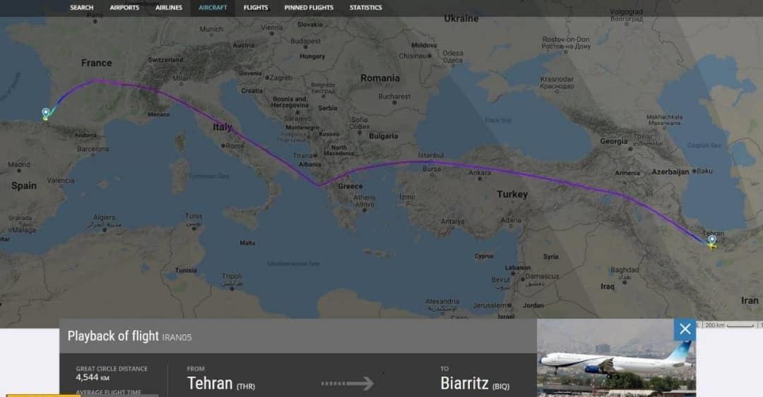 فرود هواپیمای حامل ظریف در محل برگزاری اجلاس گروه ۷