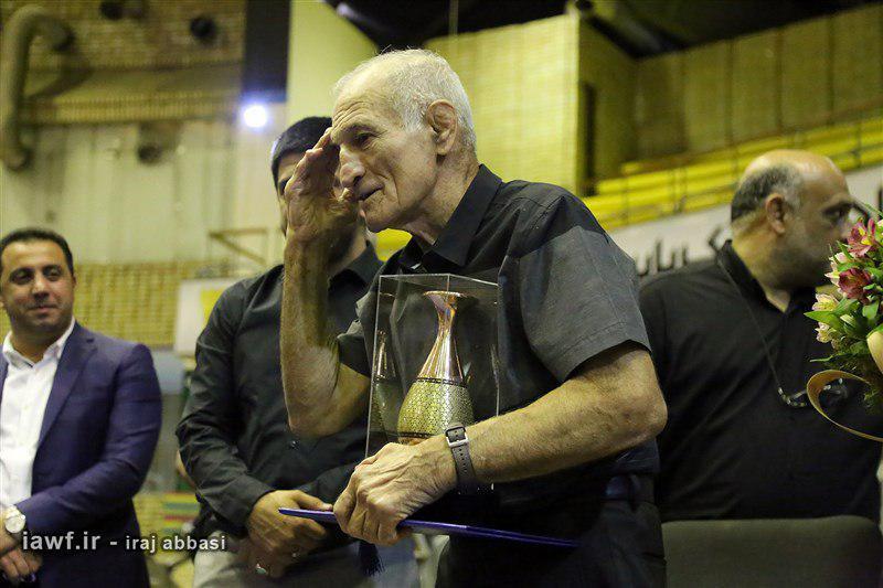 عبدالله موحد: روی تشک برزنتی طلا میگرفتم