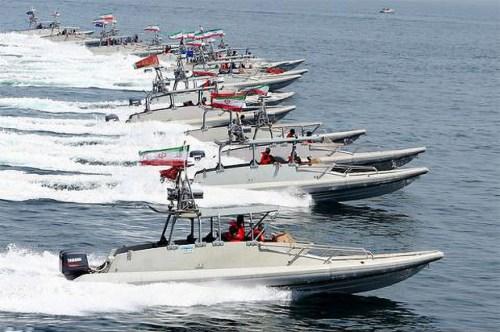 رونمایی از شناورهای تندرو جدید توسط سپاه