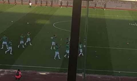 ادای احترام تیم ملی ایران به زنان تماشاگر در آزادی