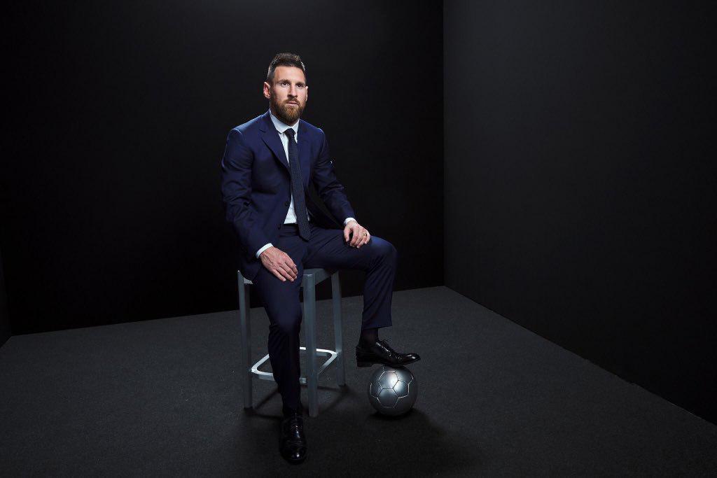 لئو مسی مرد سال ۲۰۱۹ فیفا شد / سرمربی و کاپیتان تیم ملی به چه کسی رای دادند؟ / تیم منتخب فیفا با چهار رئالی و دو بارسایی / کلوپ مربی سال و آلیسون گلر سال + تصاویر