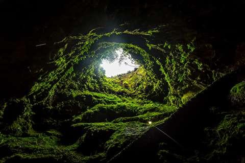 آلگار دو کاروو، غار آتشفشانی جذاب