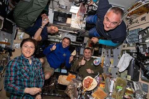 غذاهای خاورمیانهای در ایستگاه فضایی