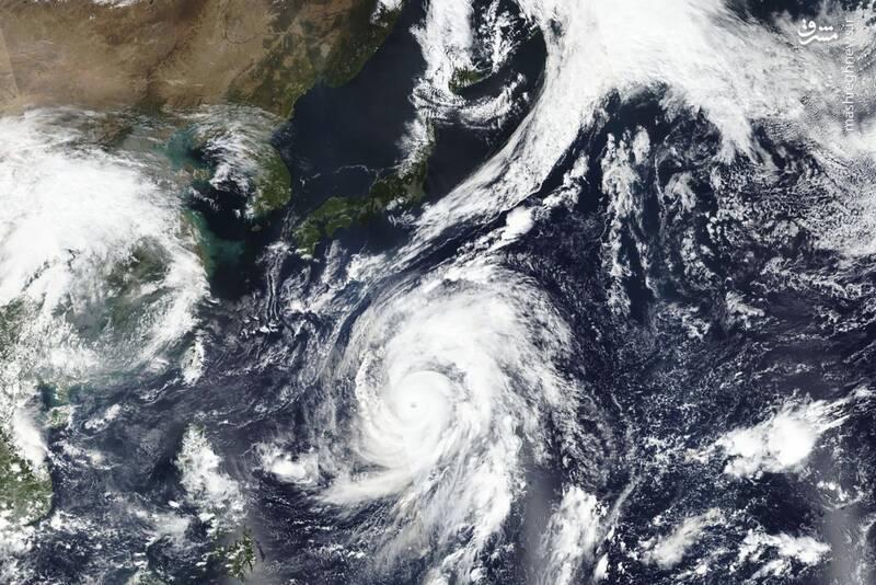تصویری ماهوارهای از طوفان در ژاپن