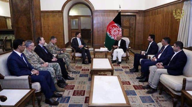 دیدار وزیر دفاع آمریکا با رئیس جمهوری افغانستان