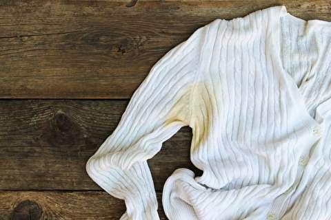 چگونه لکهها را بهتر از خشکشویی پاک کنیم؟