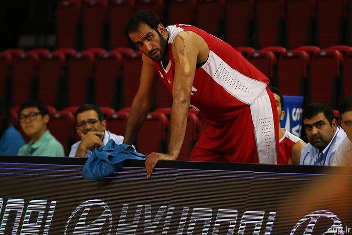 حدادی همبازی یخچالی در لیگ بسکتبال چین شد