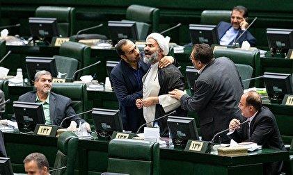 چرا جبهه پایداری اینقدر از «علی لاریجانی» متنفر است؟/ لاریجانی کدام طرفیست؟