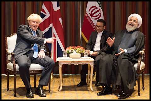 لبخند روحانی در نیویورک قابل دفاع بود؟