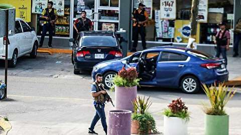 لحظه بازداشت پسر الچاپو و محاصره پلیس