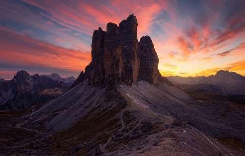 غروب آفتاب از فرازهای کوههای دولومیت