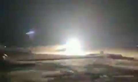 لحظه شلیک موشک به پهپاد متجاوز به آسمان ایران