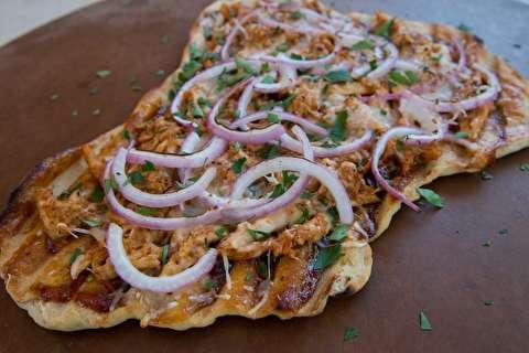 طرز تهیه پیتزای مرغ گریل شده