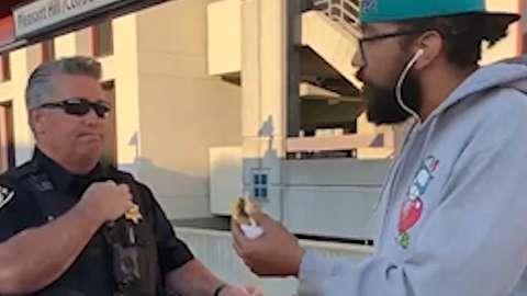 بازداشت به جرم خوردن ساندویچ!