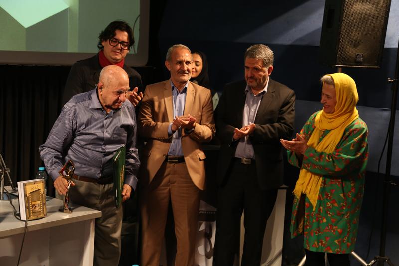 از جمال میرصادقی در جشنواره بینالمللی فیلم کوتاه تهران تجلیل شد