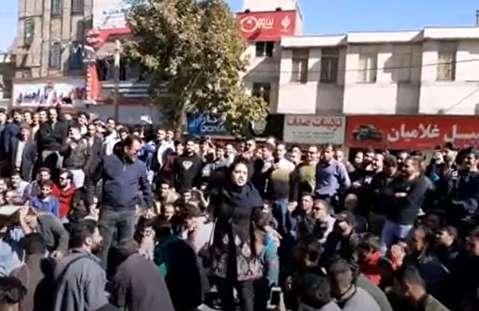 تجمعکنندگان خرمآبادی: شیشه شکستن نداریم