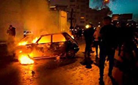 از آتش زدن خودرو و بانک تا زیر گرفتن مامور پلیس