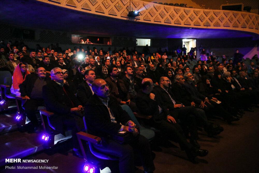 ذوقزدگی از بازسازی صحنه تئاتر شهر به جای افتتاح کاخ جشنواره فجر!