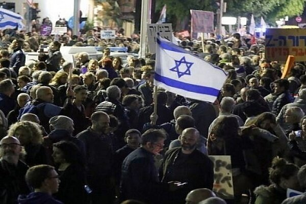 تظاهرات هزاران اسرائیلی علیه نتانیاهو در تل آویو