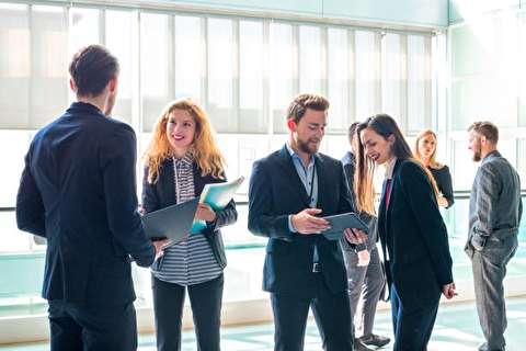 چگونه در محیط کار رفتار حرفهای داشته باشیم؟