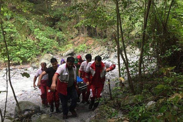 سقوط خانم ۶۵ ساله از آبشار «لاشو»