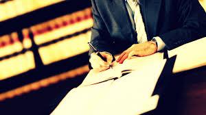 حق «آزادی انتخاب وکیل» در دادرسیهای کیفری چه محدودیت هایی دارد؟