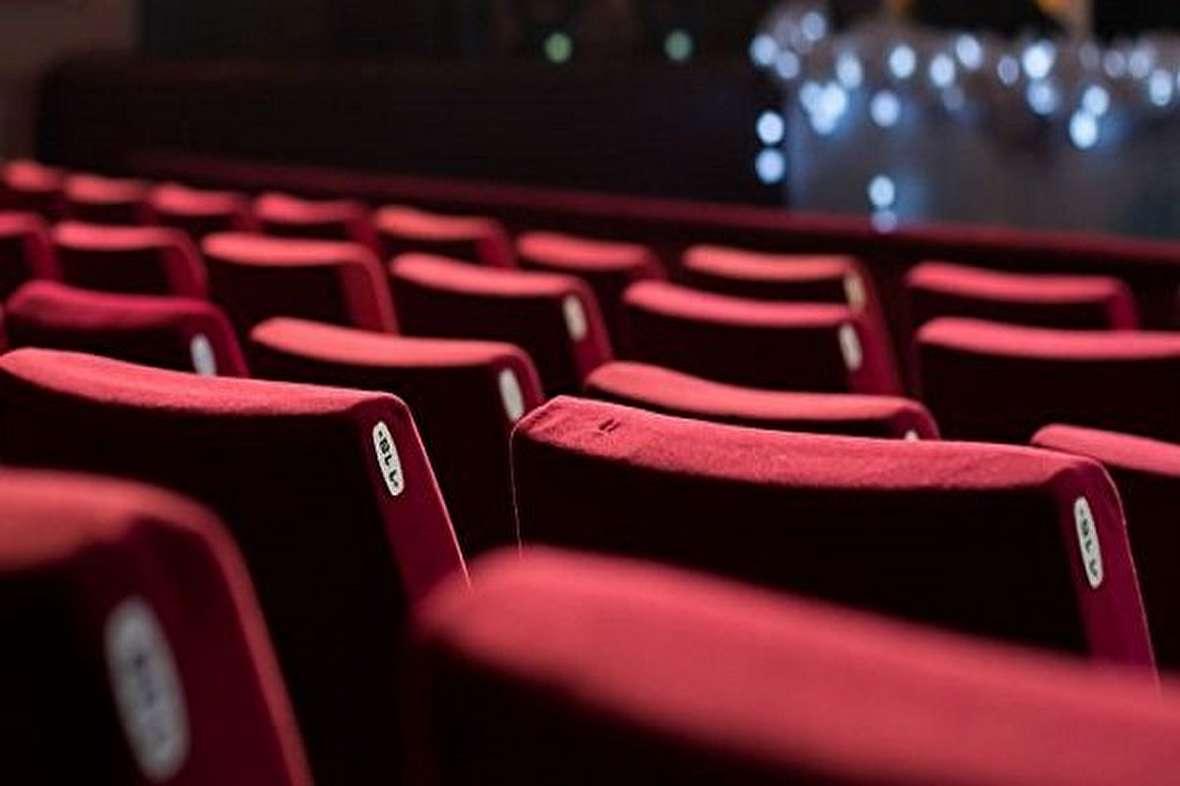 ریزش میلیونی تماشاگران همزمان با افزایش تعداد سالنهای سینما