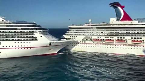 برخورد دو کشتی کروز عظیم در ساحل مکزیک