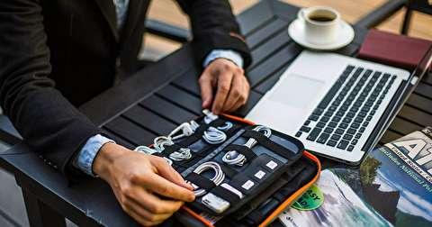 روش بسته بندی کابلها و شارژرها برای سفر