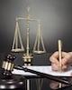 چه قوانینی برای عدم حضور وکلا و کارشناسان رسمی در محاکم...