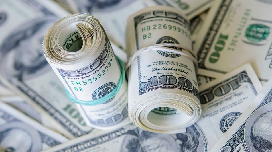 کرکره صرافی های بانکی با افزایش 900 تومانی نرخ دلار بالا رفت