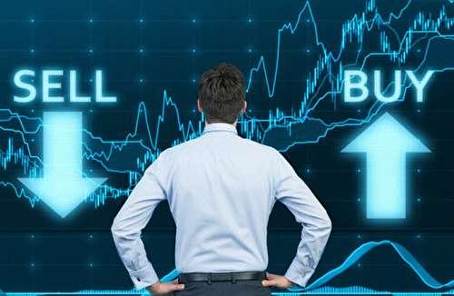 بهتر است که بورس، کارگزاریها و بانکها تعطیل باشند/ جبران بخشی از کسری بودجه از مسیر بازار سهام/ پیش بینی روند بورس در فضای کرونایی/ کدام صنایع بورسی در این شرایط رونق خواهند داشت؟