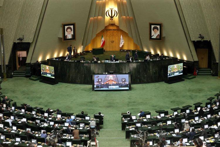 دو شکایت نمایندگان مجلس از روحانی