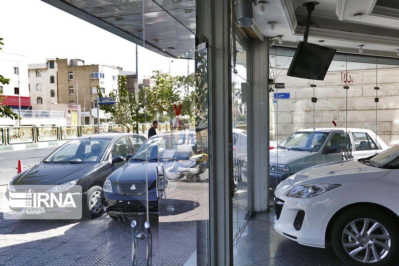 چگونه رئیس شورای رقابت آرامش بازار خودرو را برهم زد؟ / آیا شیوا از چسبندگی قیمت خودرو خبر دارد؟ / چرخش ۱۸۰ درجهای آقای رئیس چه فایدهای دارد؟