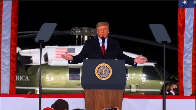 ترامپ مدعی شروع کمونیسم در آمریکا شد