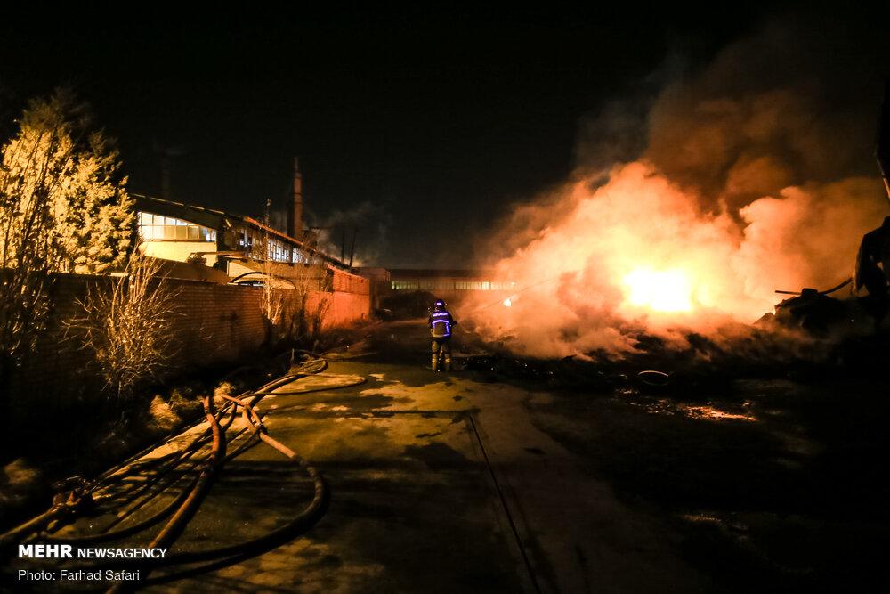 انفجار و آتش سوزی در واحد بازیافت لاستیک - تابناک | TABNAK