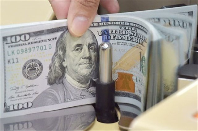قیمت دلار در بازار امروز چهارشنبه اول بهمن ماه ۹۹/ دلار دوباره صعودی شد