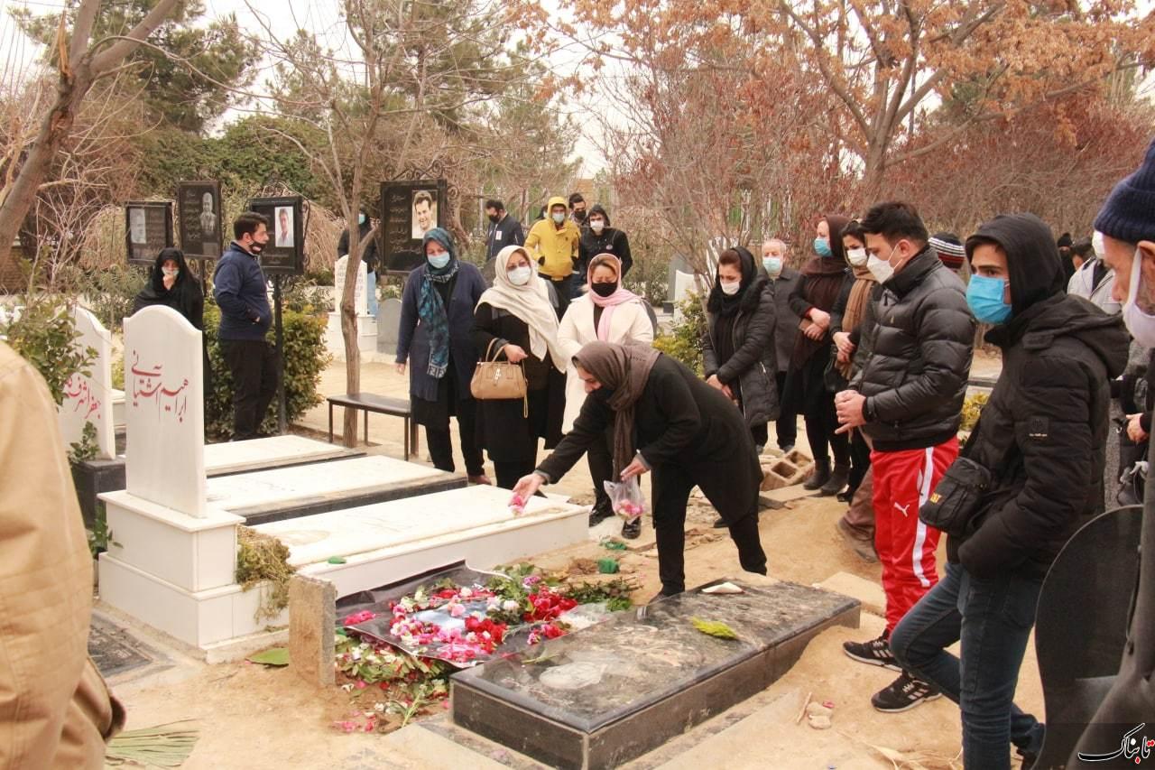 تصاویر اختصاصی تابناک از خاکسپاری مهرداد میناوند
