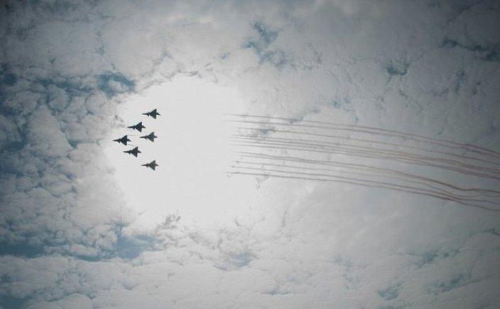 پرواز جنگندههای چینی و هواپیمای آمریکایی برفراز تایوان