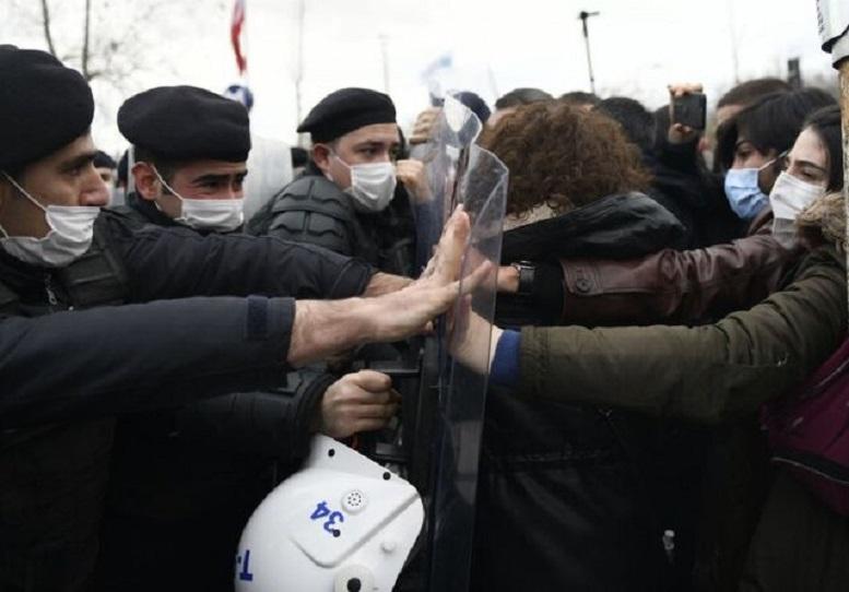 """اردوغان دانشجویان معترض را """"تروریست"""" خواند!"""