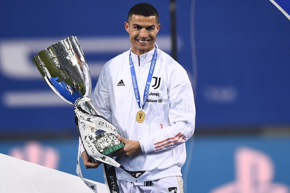 رونالدو برترین گلزن تاریخ فوتبال دنیا شد