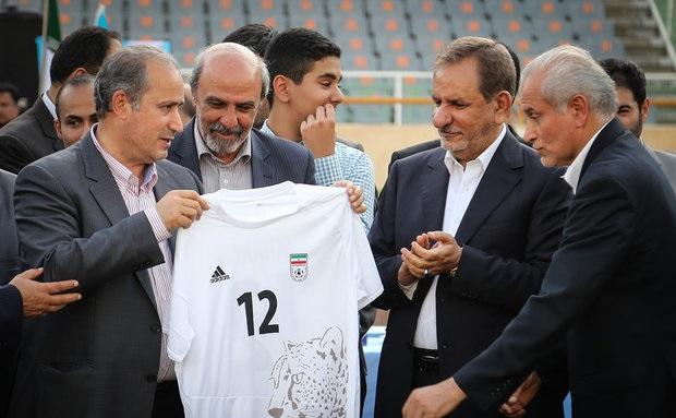 ابهام در حکم دولتی کاندیدای ریاست فدراسیون فوتبال ؛ استعفای نامریی!