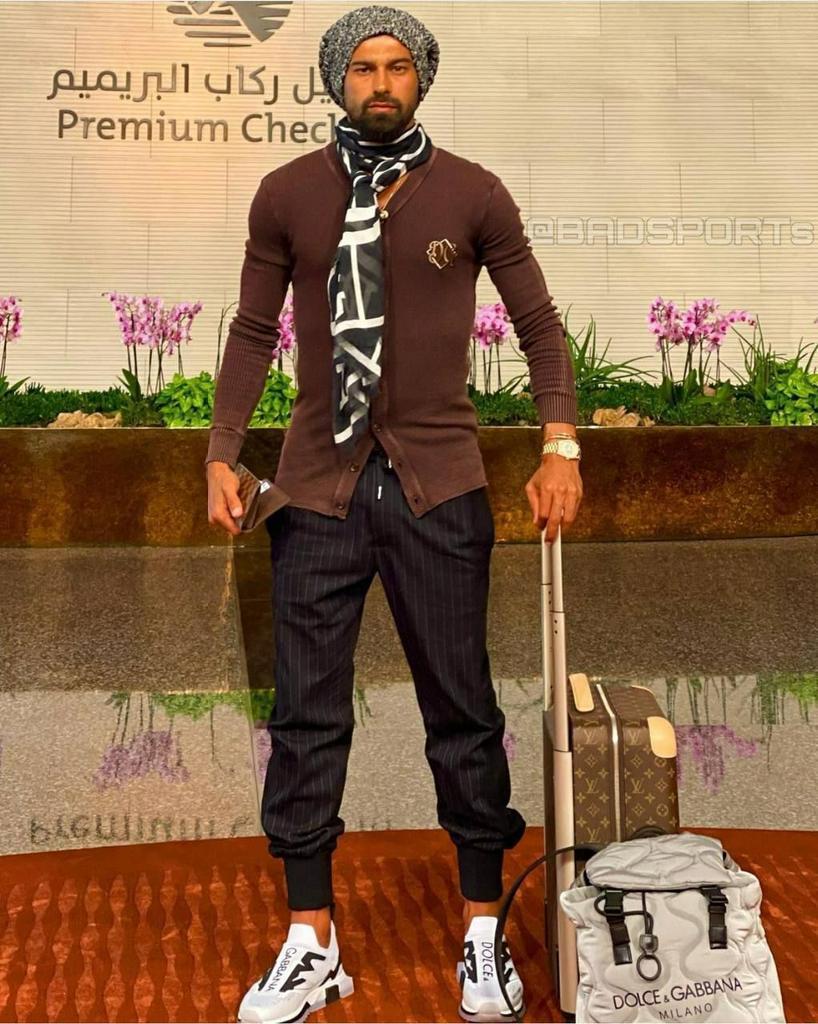 تیپ و لباس عجیب رامین رضاییان در قطر