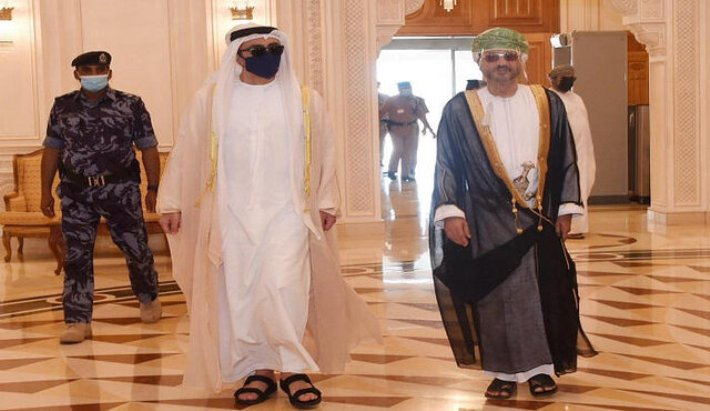 سفر وزیر خارجه امارات به عمان
