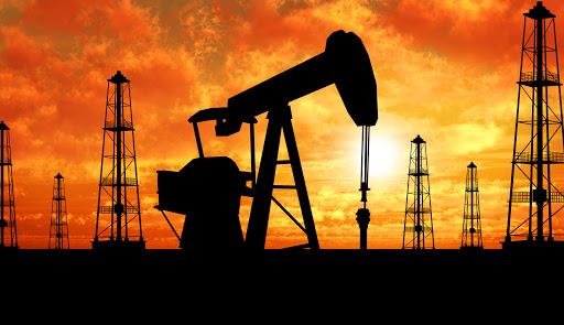 بودجه 1400 دولت بعدی را مقروض بانکها میکند/ تحریم ها برداشته شود، امکان فروش 2 میلیون بشکه نفت در روز وجود دارد