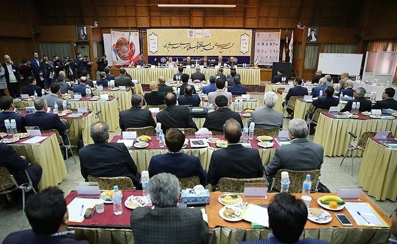ضیافت های شبانه هیاتهای استانی فوتبال در مشهد و اردبیل / انتخابات فدراسیون را قومی قبیلهای نکنید