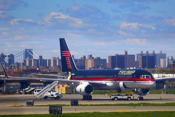 هواپیمای متروکه شخصی ترامپ در نیویورک